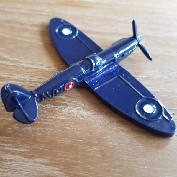Avroair Spitfire Geocoin Blau